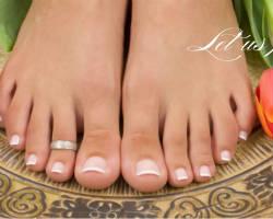 Caesars Nails and Spa