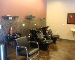 Lamaris Salon & Day Spa