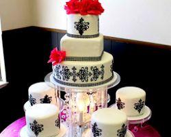 Hector's Custom Cakes
