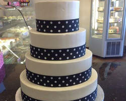 Leopoldu0027s Bakery At Leopoldu0027s Bakery, Couples Can Search For The Finest Las  Vegas Wedding Cakes ...