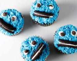 James & the Giant Cupcake