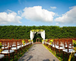 Top 10 wedding venues in oklahoma city ok best banquet halls coles garden wedding and event center junglespirit Images