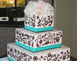 Sweet Cakes & Roses