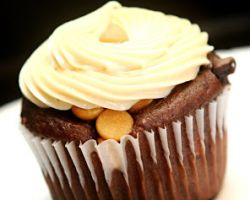 Lightning Cupcakes & Cake
